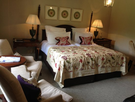Lords of the Manor Hotel: Our room in the Old rectory