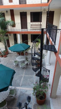 Hotel San Juan: Патио