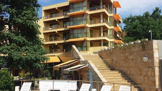 Les Magnolias Hotel : Main building