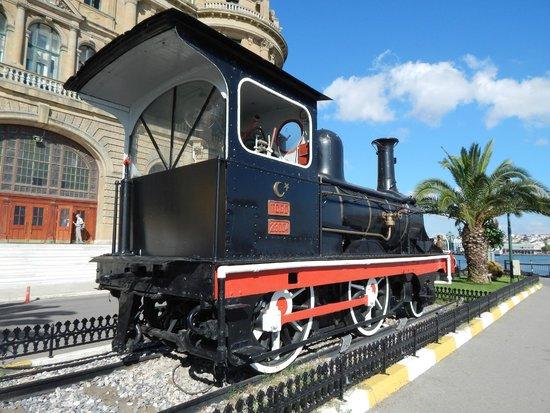 Haydarpasa Train Station - Picture of Haydarpasa Terminal ...