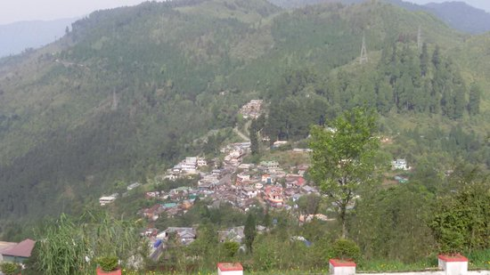 Darjeeling - Khush Alaya, A Sterling Holidays Resort: View from Hotel deck ared pic 2