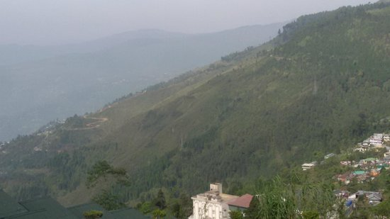 Darjeeling - Khush Alaya, A Sterling Holidays Resort: View from Hotel deck area Pic 3