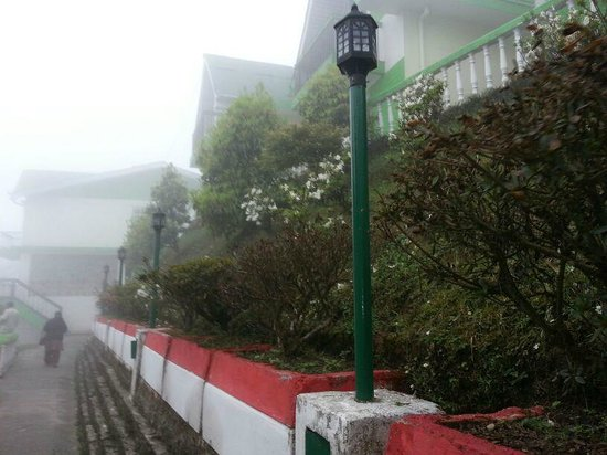 Darjeeling - Khush Alaya, A Sterling Holidays Resort: Hotel view pic 3