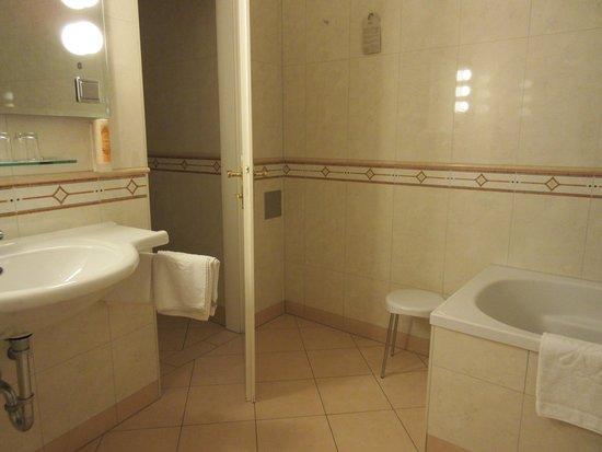 Kaiserin Elisabeth: 清潔なバスルーム