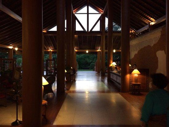 The Hotel at Tharabar Gate : Lobby