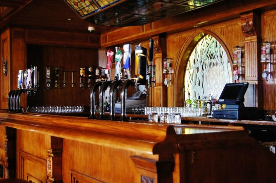 The Hedges Restaurant: Function bar
