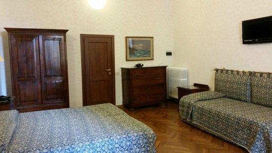 Hotel Alessandra: Stanza tripla nr. 11