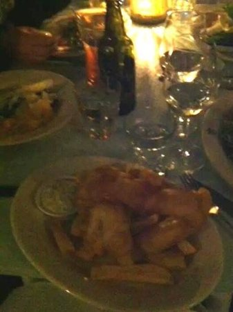 The Oyster Inn: Snapper and thrice fried chips