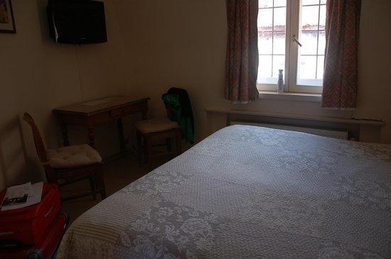 La Vieille Lanterne : habitacion de la 3ª planta, cama king size.