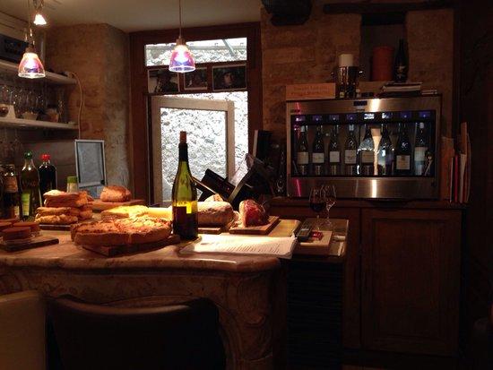 Les Vins De Maurice: Viner på glas till höger