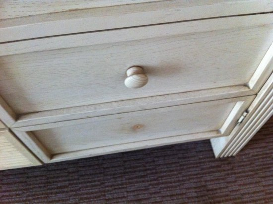 Hilton Maidstone: Old and broken furniture 253