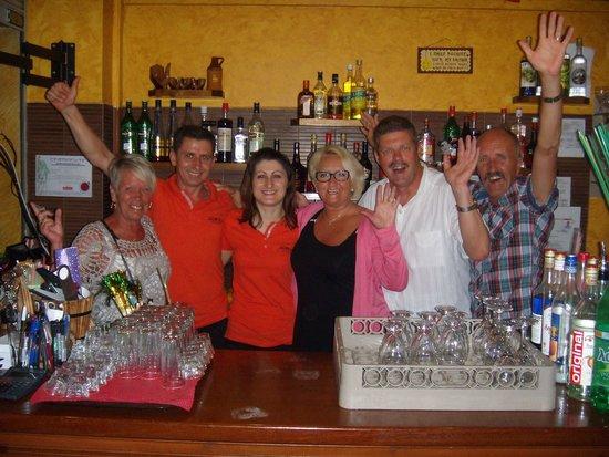 Dionysos Taverna Restaurant: Takk for god service.