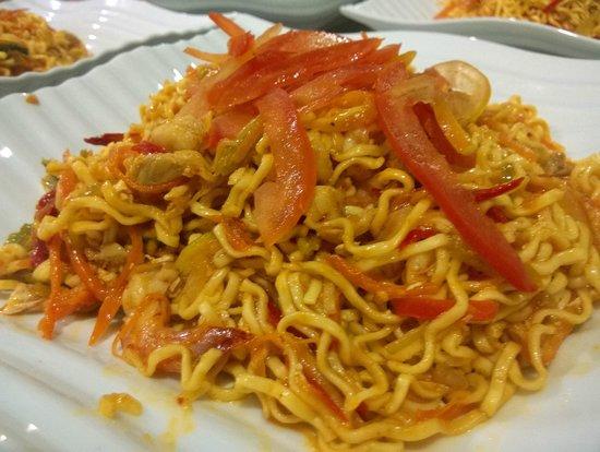 Restoran New Hawaii: Mi Goreng Melaka (Malaccan Fried Noodle)