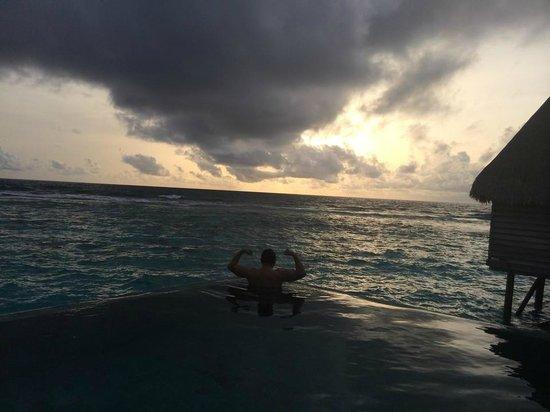 Jumeirah Vittaveli: Room pool view