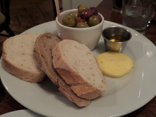 The White Star Tavern: The bread & olives