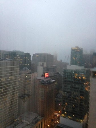 Chicago Marriott Downtown Magnificent Mile: fog from the lake