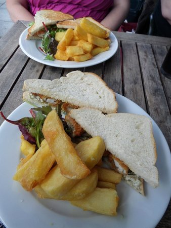 The White Star Tavern: Lunchtime sandwiches.
