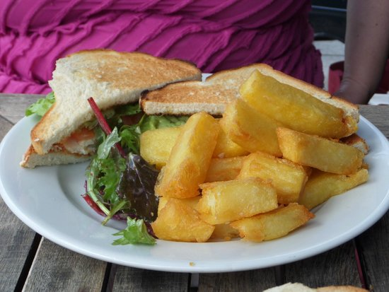 The White Star Tavern : The White Star Club & triple cooked chips.