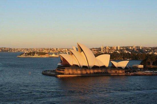 Sydney Harbour: Noh Jong Cheal