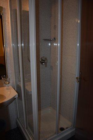 Ascot : Salle de bain 2