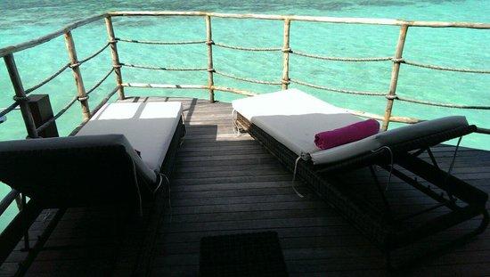 Constance Moofushi: Water villa terrace