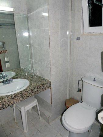 Golf View Hotel: Bathroom