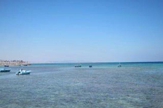 Triton Empire Beach Resort: Near the hotel beach