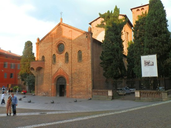 Basilica - Santuario di Santo Stefano: Базилика Санто Стефано