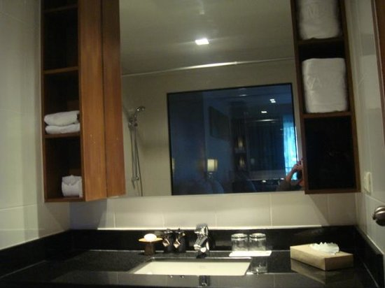 Swissotel Resort Phuket Kamala Beach: Ванная комната