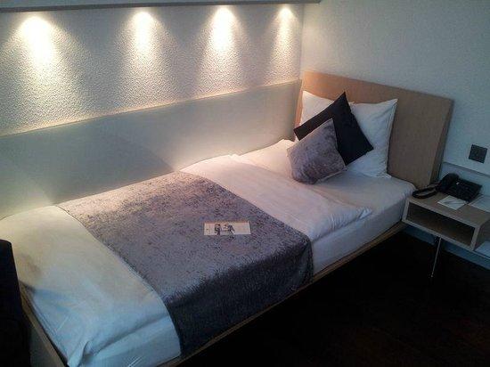 Hotel Krone Unterstrass : Bett