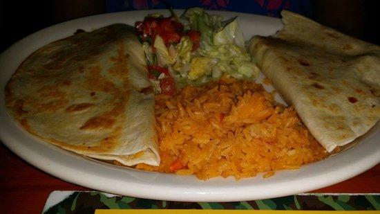 El Cazador Mexican Restaurant : Steak quesadilla... good stuff