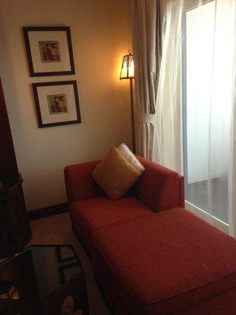 Ajman Hotel: Sofa