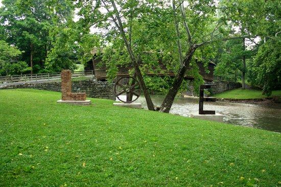 Humpback Bridge: Love