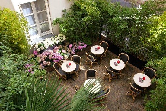 Hotel Saint Paul Le Marais: Inner courtyard