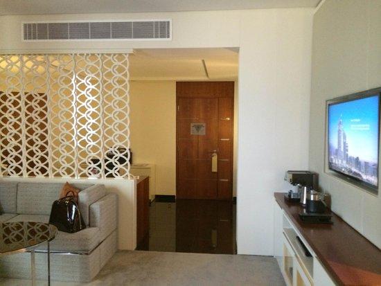 Jumeirah Emirates Towers: Junior Suite