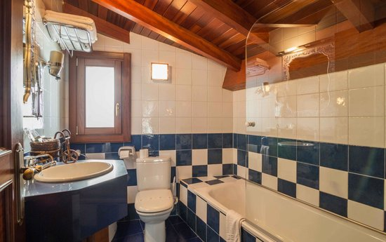 Gran Hotel Rural Cela: Baño
