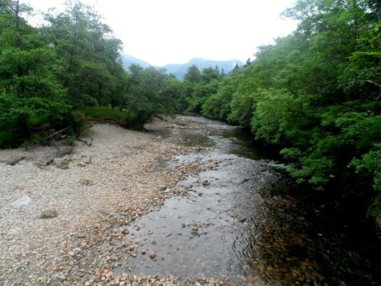 Glen Nevis Youth Hostel: Just footsteps from the hostel