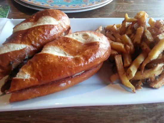 The Bruce Steakhouse : Steak Sandwich