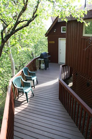 Healy Heights Family Cabins: Entrance