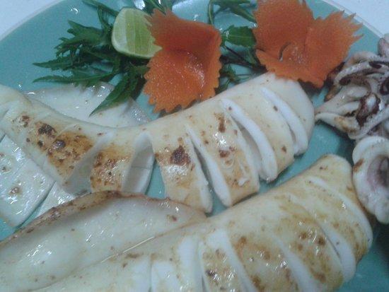 Mango Tree Restaurant : Grilled squid