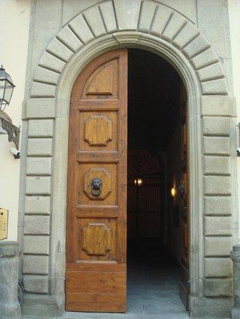 Hotel Aldobrandini: Вход