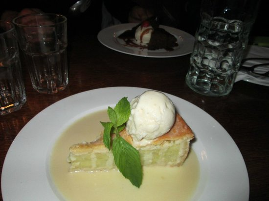 The Andover Arms : Apple pie