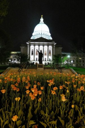 Wisconsin State Capitol: Evening mood