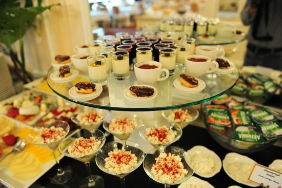 The State Hermitage Museum Official Hotel: State Hermitage Hotel - Breakfast Buffet