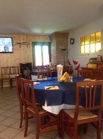 Alla Volta Bar Trattoria: уютные столики