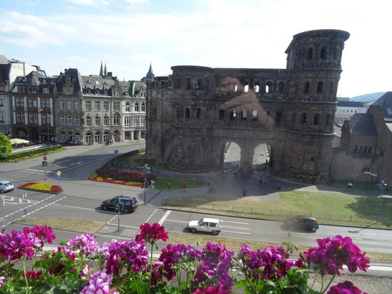 Mercure Hotel Trier Porta Nigra: View from room