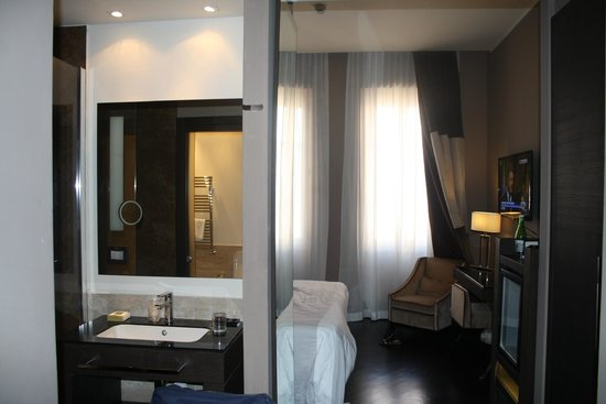 Rome Times Hotel: Room view