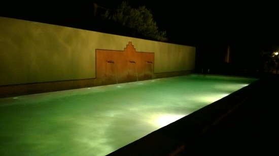 Dar El Janoub : Pool nachts