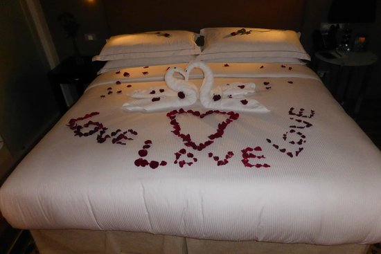 Hilton Cape Town City Centre: What a romantic welcome!
