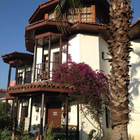 Murat Pasa Konagi: Rooms and balconies